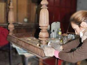 Taller de restauración y recuperación de muebles antiguos