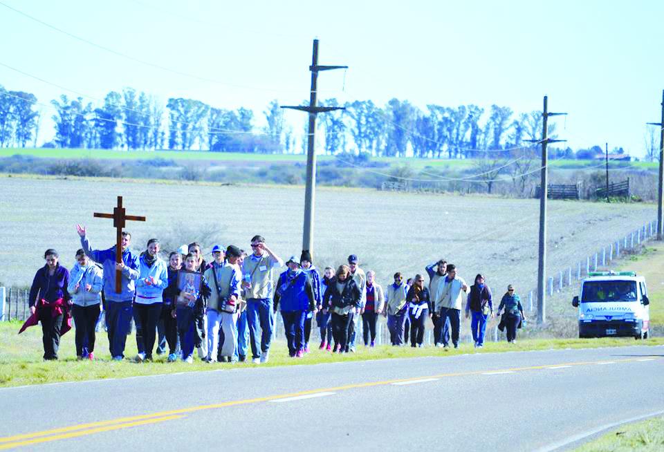 191 peregrinos caminarán durante tres días uniendo Paraná con Nogoyá