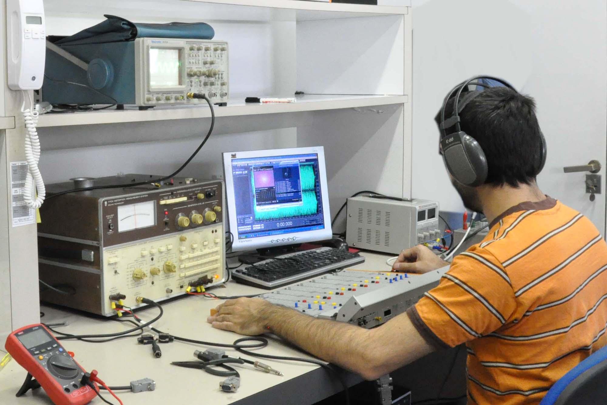 Audio y sonido. La empresa que exporta productos para estaciones de radio a 67 países