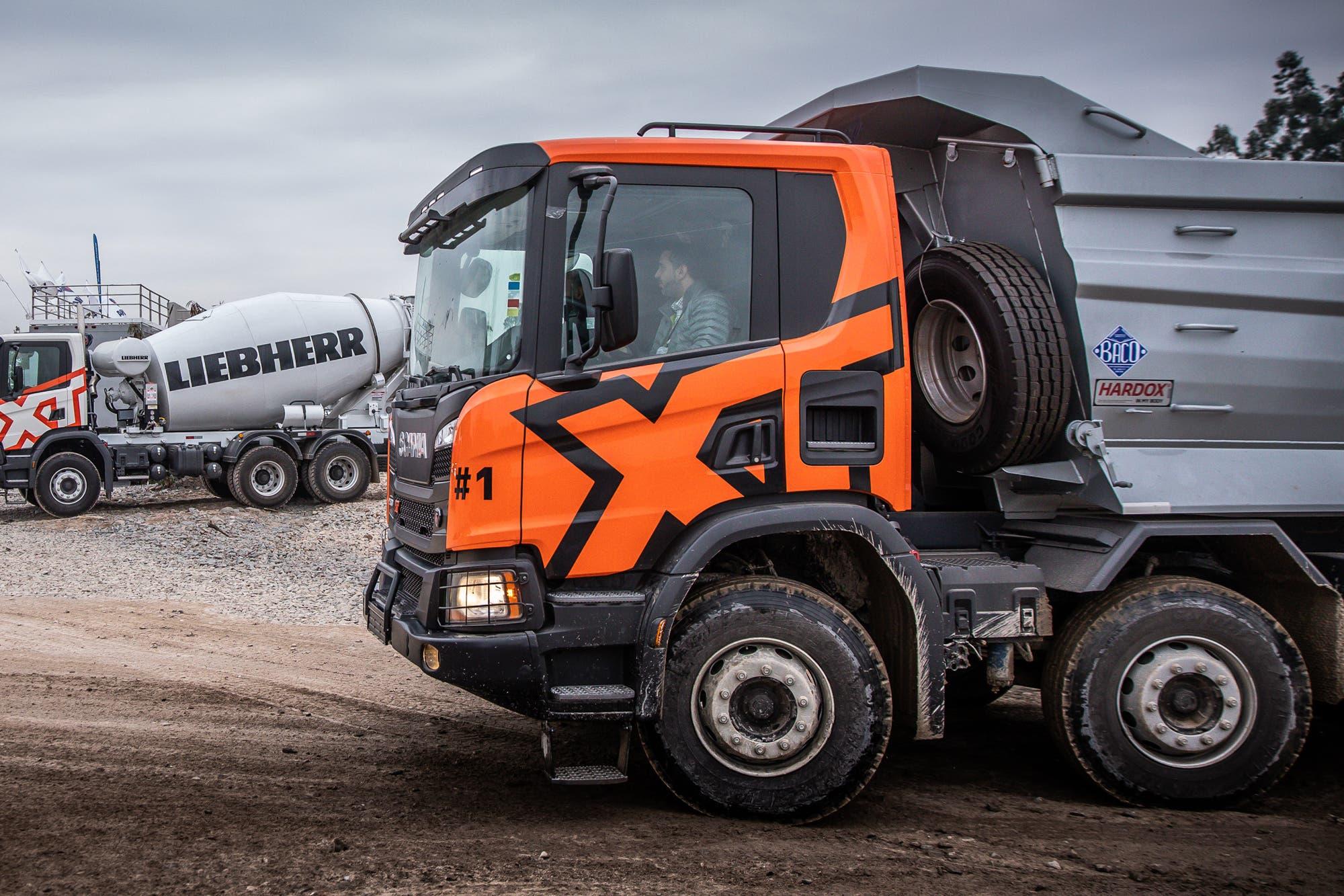 Cargas. Presentan una gama de camiones pensada para los trabajos más pesados
