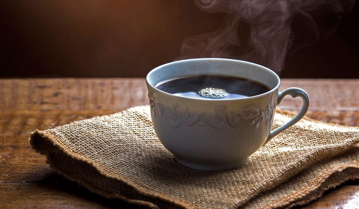 Si padeces migrañas, no deberías tomar mucho café