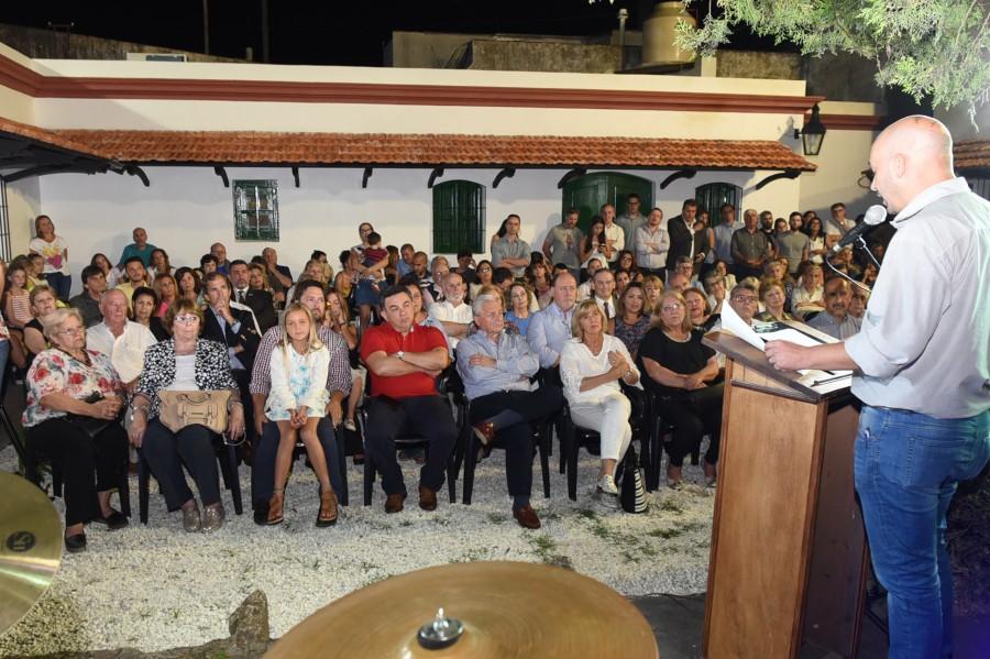 Emotiva inauguración de la  Hemeroteca de la Ciudad