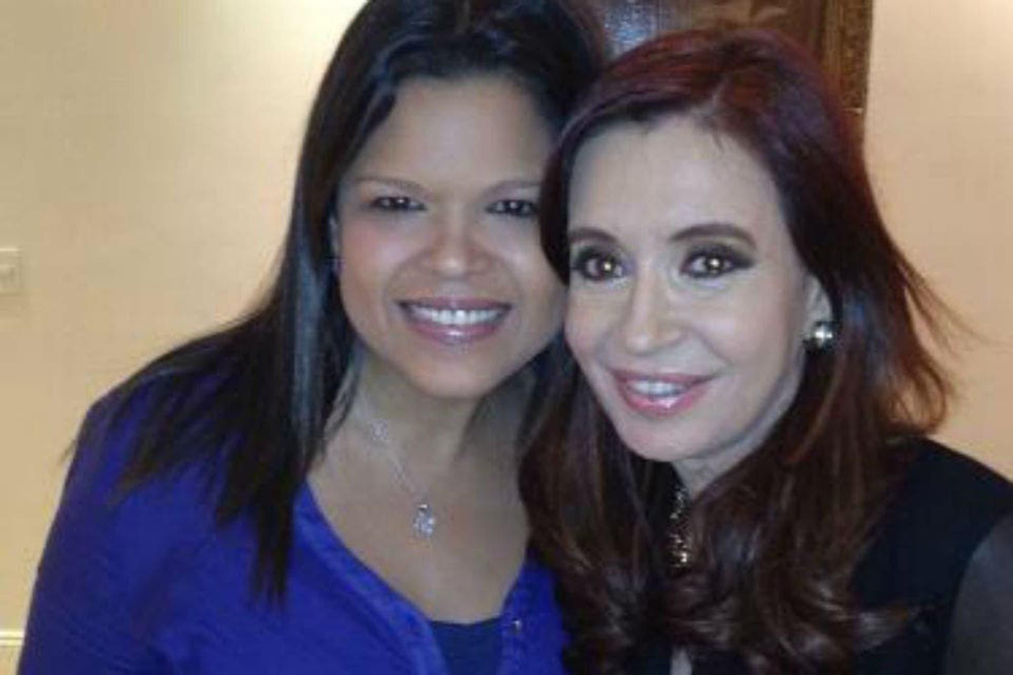 Cristina Kirchner se reunió con una hija de Hugo Chávez en Cuba