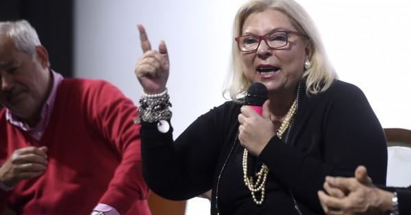 Carrió vuelve de su retiro de la política para votar en las sesiones extraordinarias