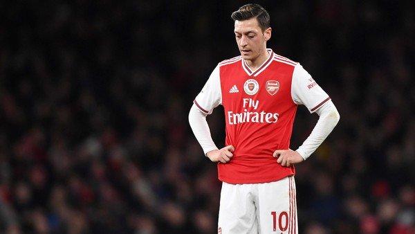 China salió a cruzar los dichos de Mesut Özil tras la decisión de no transmitir el duelo entre Arsenal y Manchester City