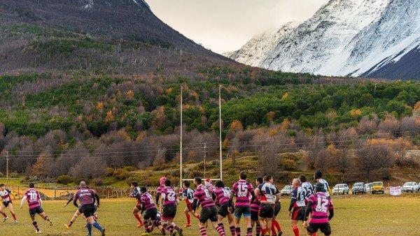 La pasión por el rugby en el fin del mundo, entre las piedras y el frío