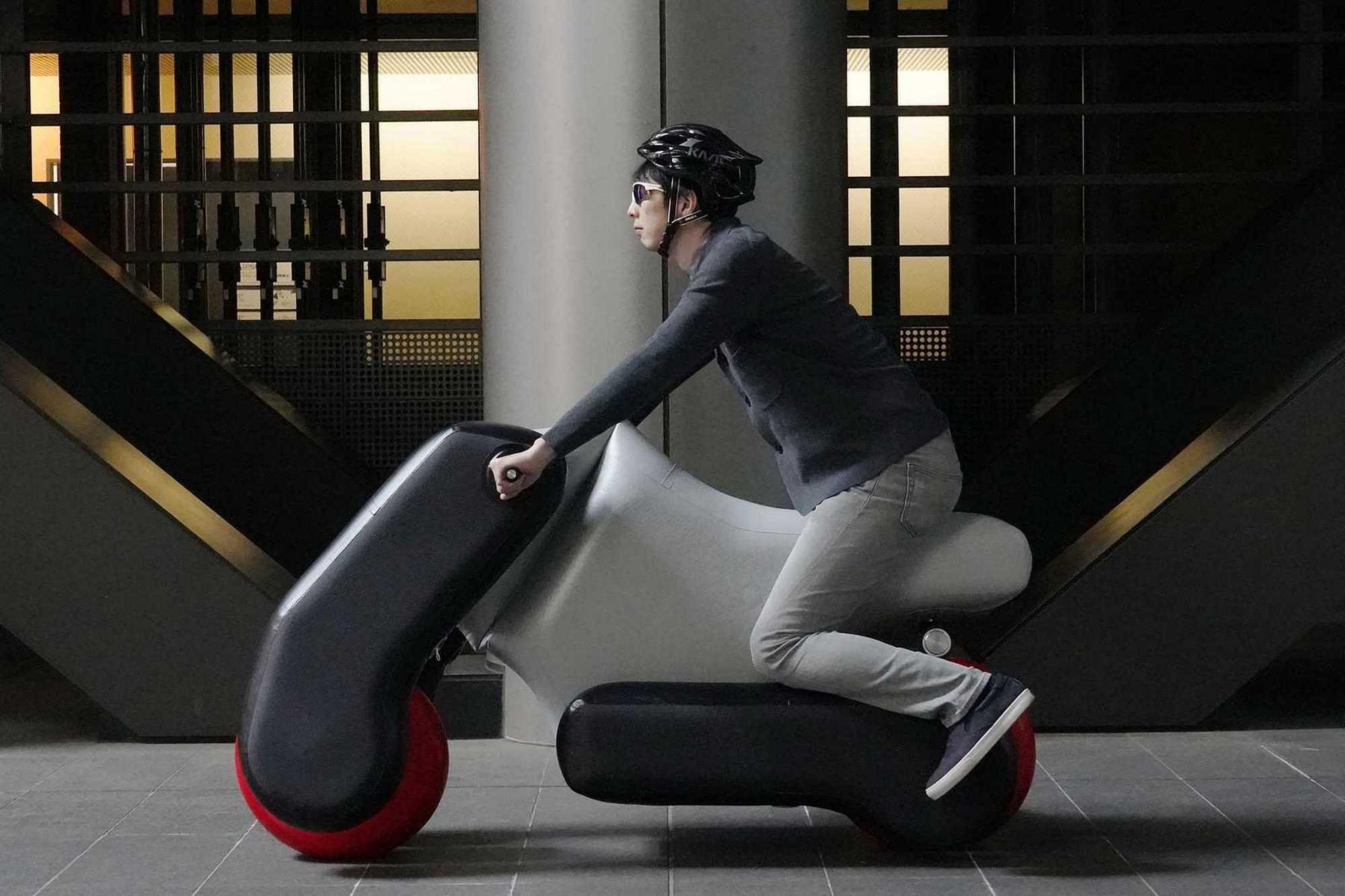 Poimo: así es el prototipo japonés de scooters y sillas de ruedas eléctricas e inflables
