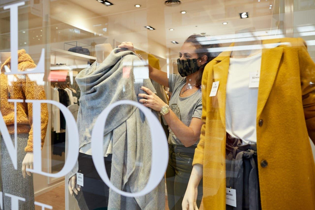La ropa, por las nubes: la industria textil echa culpas por los precios altos
