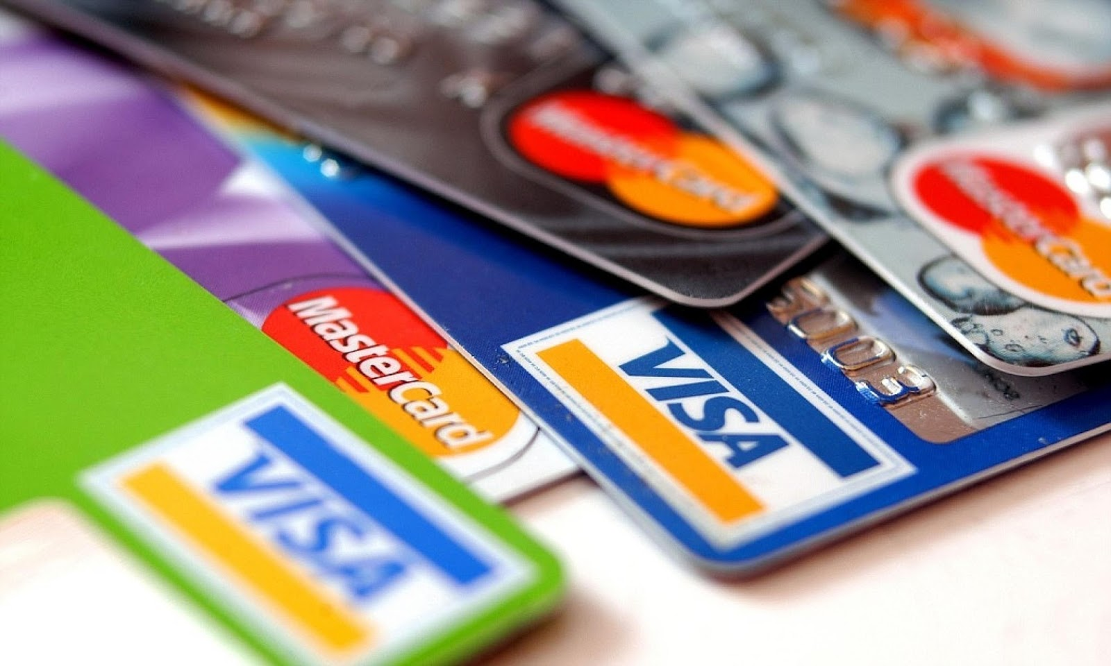 tarjetas-de-credito:-la-tasa-de-financiacion-para-las-12-cuotas-fijas-subio-al-132-por-ciento