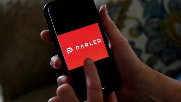 polemica:-apple-permitira-que-parler-vuelva-a-la-app-store