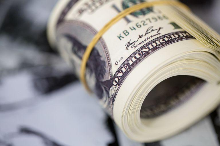 dolar:-volvio-la-artilleria-oficial-para-controlar-a-los-alternativos-en-una-rueda-en-la-que-se-escapo-el-blue
