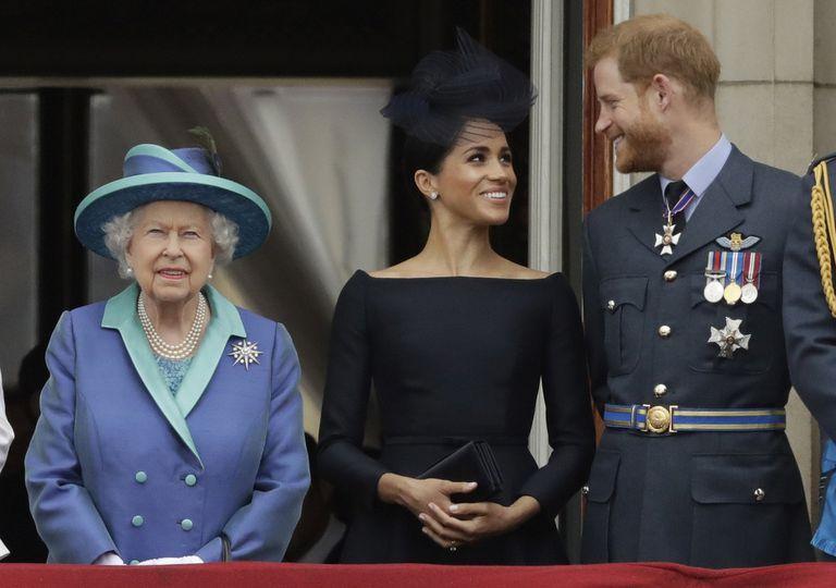 roces-en-la-realeza:-la-filosa-critica-de-la-corona-al-principe-harry-tras-sus-dichos