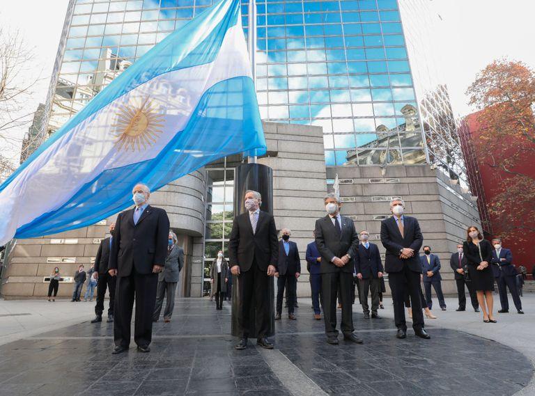 diplomaticos-argentinos-buscan-evitar-que-escale-la-controversia-provocada-por-alberto-fernandez