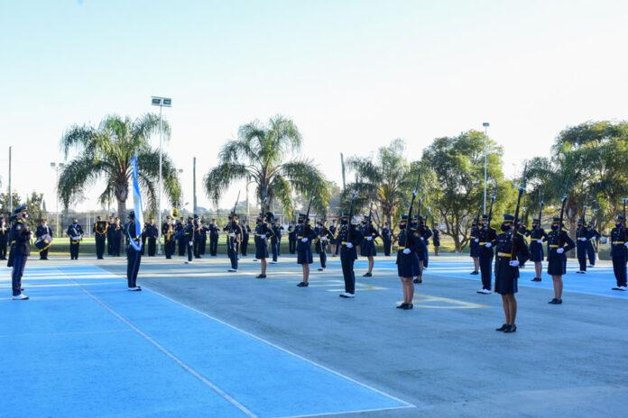 cadetes-de-la-policia-de-entre-rios-prestaron-juramento-a-la-bandera-argentina