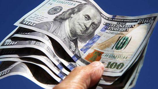 el-dolar-blue-sigue-su-escalada-y-ya-se-vende-a-$183