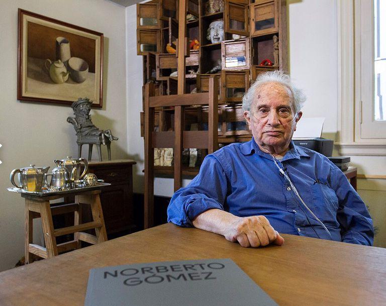 a-los-80-anos,-murio-el-escultor-norberto-gomez