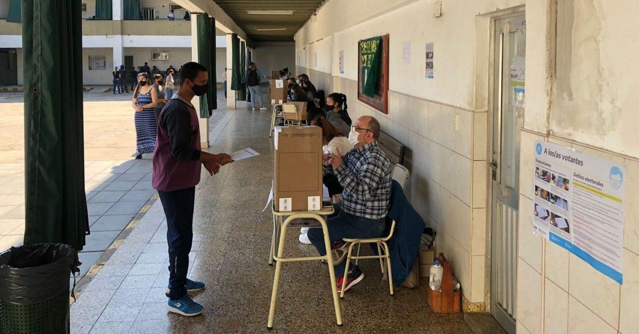 el-voto-de-los-candidatos-y-autoridades