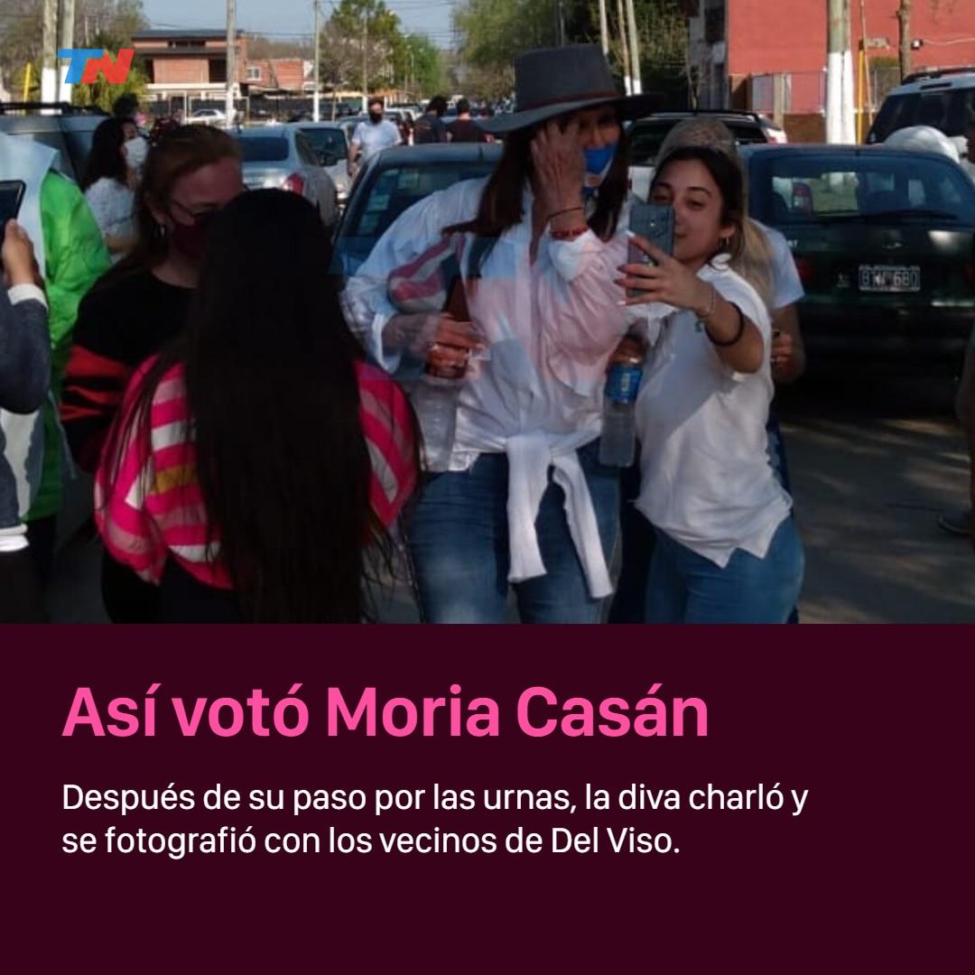 asi-voto-moria-casan-en-las-paso-2021:-look-patrio,-caminata-por-del-viso-y-fotos-con-los-vecinos