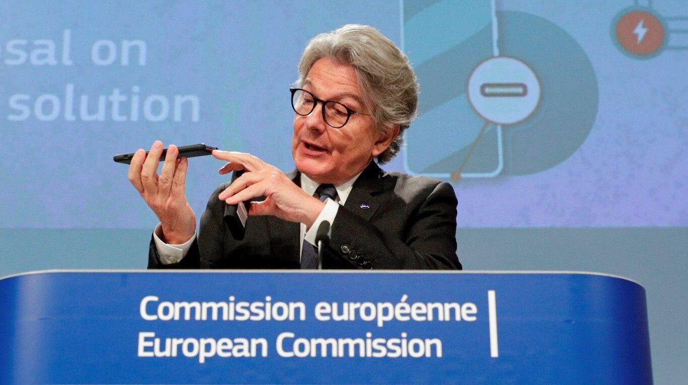 reves-para-apple:-la-union-europea-quiere-imponer-un-cargador-universal-para-todos-los-celulares
