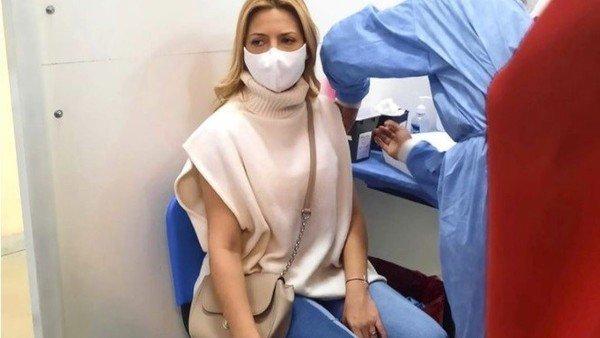 fabiola-yanez-recibio-la-primera-dosis-de-la-vacuna-contra-el-coronavirus