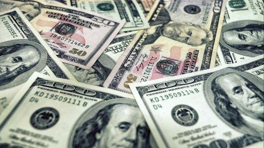para-analistas,-dolares-libres-seguiran-subiendo-por-factores-internos-y-externos